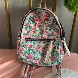 Floral mini backpack !
